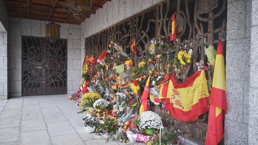 El panteón de la familia Franco, donde también están los restos de su viuda Carmen Polo, a primera hora de la mañana.