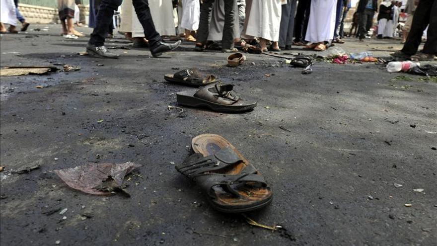 Decenas de víctimas en un atentado contra milicianos chiíes en Yemen