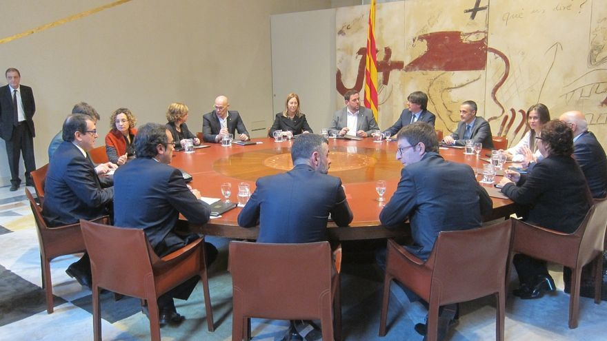 Puigdemont analiza los 100 primeros días de su Govern un día antes de reunirse con Rajoy