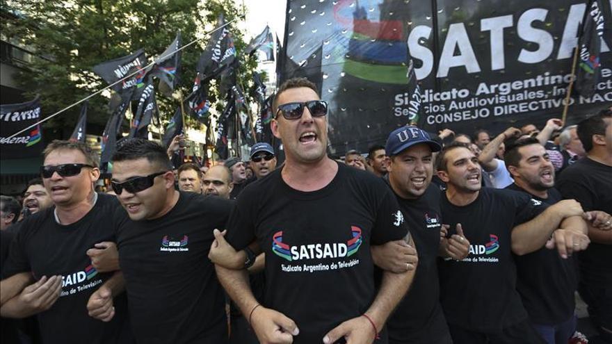 Kirchneristas se manifiestan en Argentina en defensa de la ley de medios
