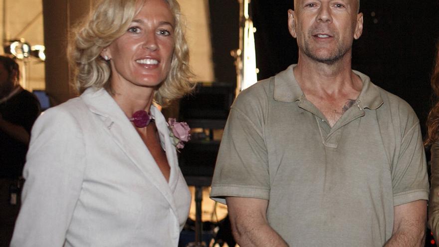 Cristina Morató, exdirectora general de Turismo de la Generalitat, junto a Bruce Willis