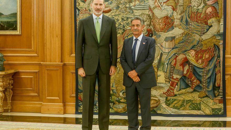 """Revilla dice que el Rey está """"tan preocupado como todos"""" por la falta de Gobierno"""