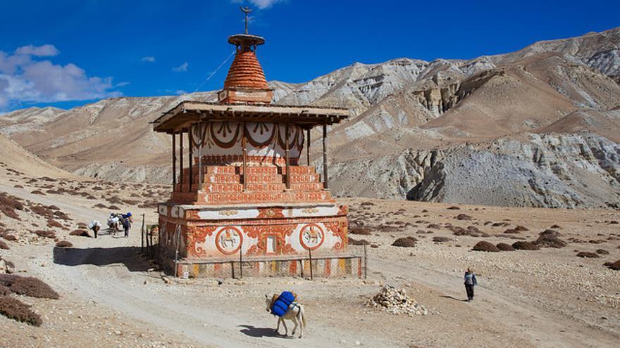 Los templos ocupan lugares estratégicos. La mayoría se encuentran en cruces de caminos o altos con una gran carga simbólica dentro del territorio. Jean-Marie Hullot