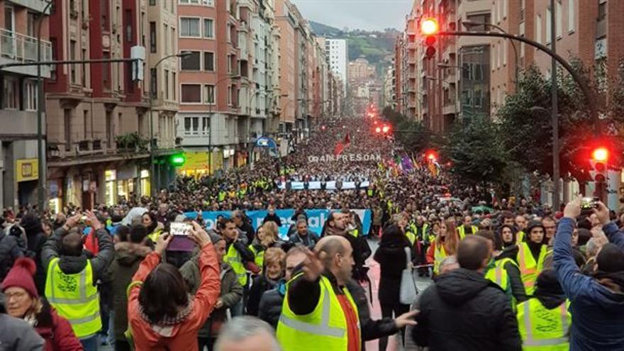 Imagen de la manifestación a favor del acercamiento de los presos de ETA a Euskadi. Foto: ETB