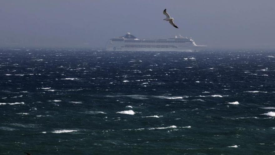 El temporal de viento suspende las comunicaciones entre Ceuta y Algeciras