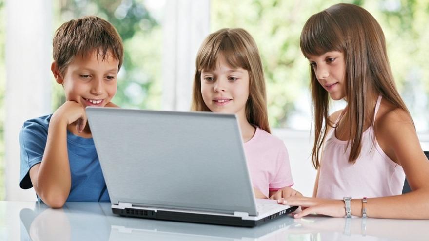 Uno de cada tres menores navarros de 10 a 12 años navega por internet sin que sus padres le pongan normas