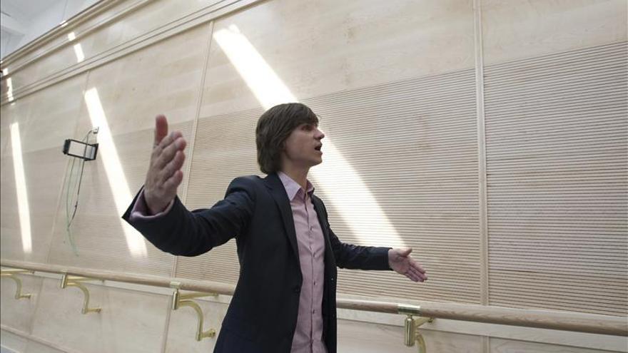 El director artístico del Bolshói es operado de los ojos tras la agresión con ácido