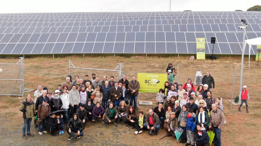 Planta solar de La Florida inaugurada por la cooperativa Som Energia en Lora del río