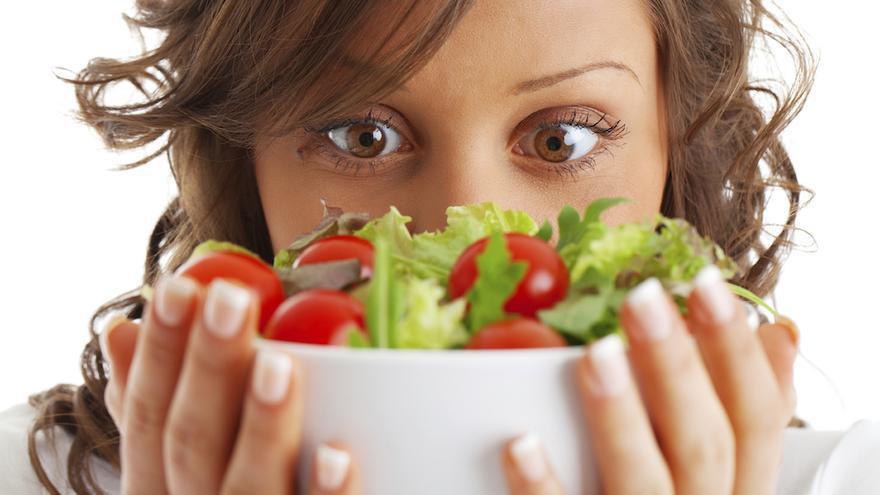 Comer ensalada hasta el fallo