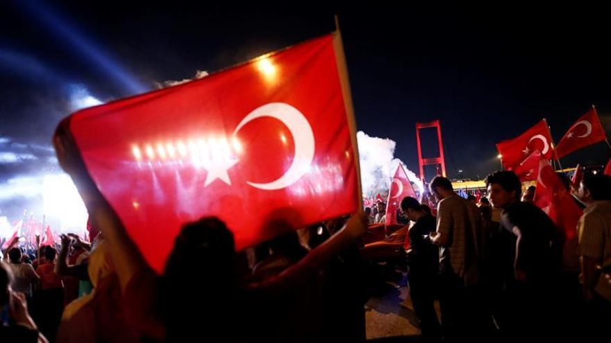 Turquía se prepara para una inmensa manifestación antigolpista en Estambul