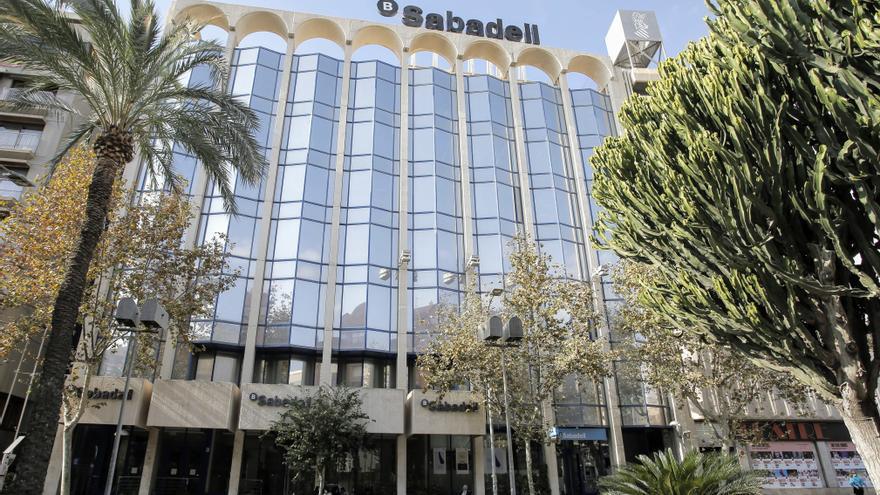Sede del banco Sabadell en Alicante