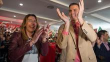 """Pedro Sánchez, en un mitin con Susana Díaz: """"No nos podemos relajar, acordaos de lo que pasó en Andalucía"""""""