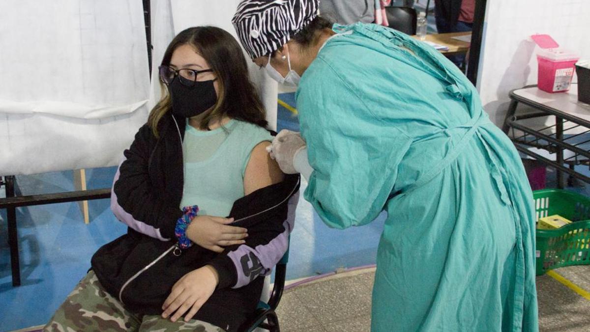 El 50% del país ya está vacunado con las dos dosis.