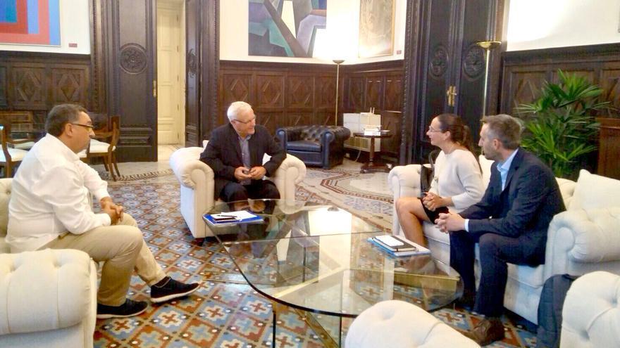 El alcalde de Valencia, Joan Ribó, reunido con representantes de Global Sports Innovation