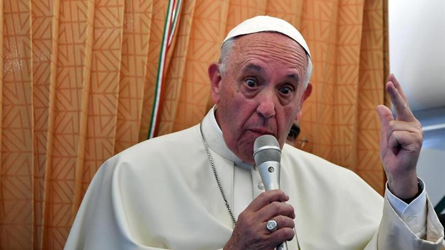 """El papa detecta un """"aire de división"""" en UE y aconseja """"paso de creatividad"""""""