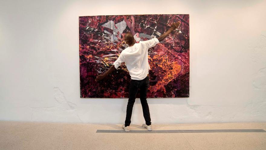 Hauser & Wirth recala con su galería de arte en aguas de Menorca