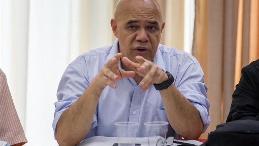 La oposición dice que solo aceptará que el 20% de apoyo al revocatorio sea en todo el país