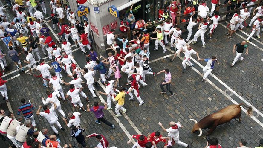 Los toros de Jandilla protagonizan una limpia carrera en el quinto encierro