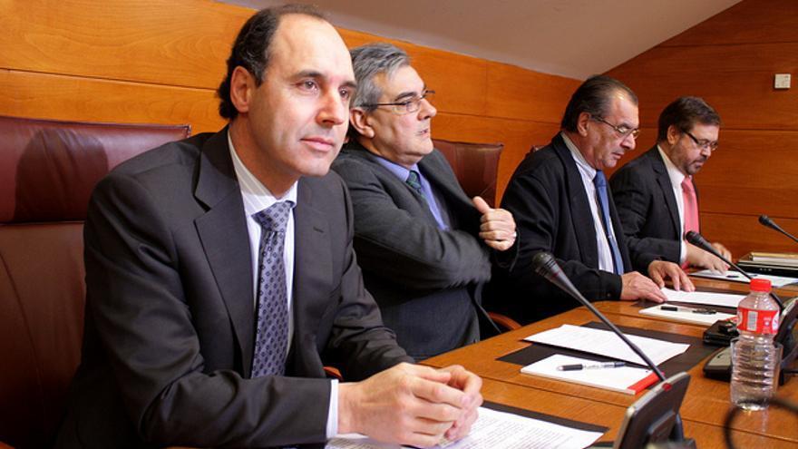 Ignacio Diego,junto a Eduardo Van den Eynde, en la comisión de investigación de GFB. | PP