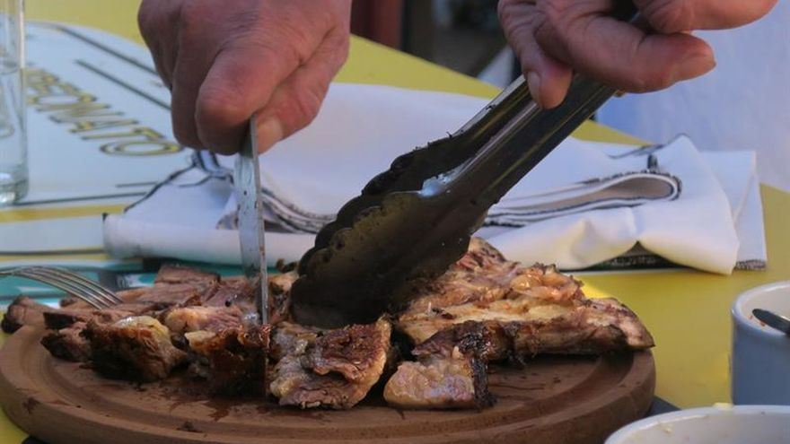 Buenos Aires sucumbe al asado con parrillada masiva en el Campeonato Federal