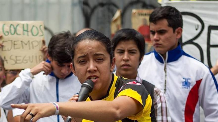 Opositores venezolanos inician una huelga de hambre por los diputados presos