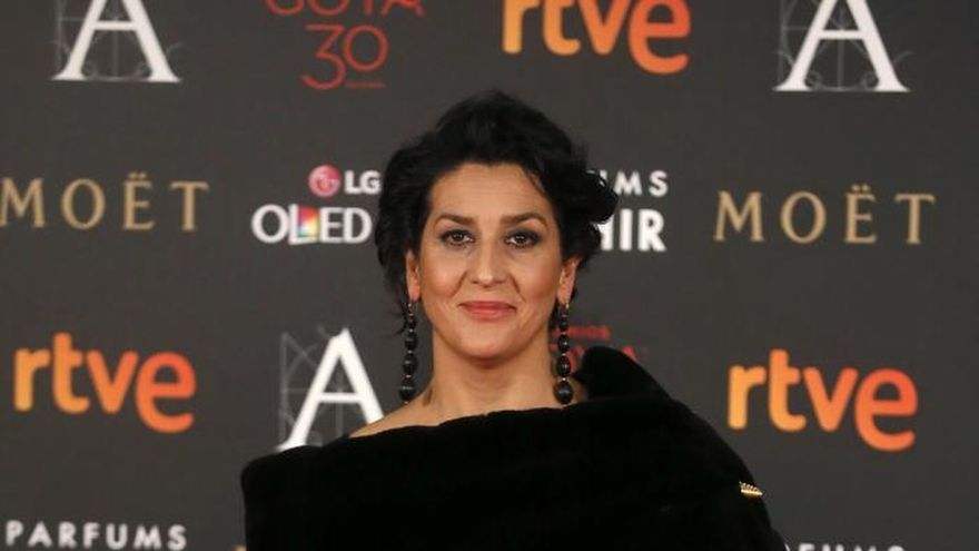 Ursula Corberó, Clara Lago y Silvia Abascal caldean la alfombra de los Goya