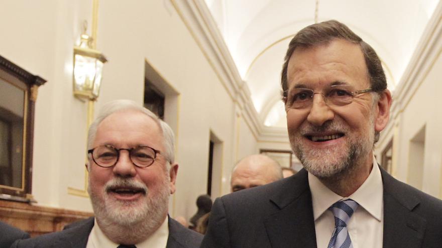 Cañete no ha recibido llamada de Rajoy para las europeas pero no ve ningún problema porque aún no hay clima de campaña