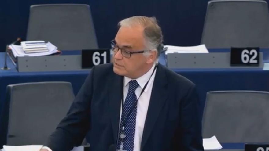 """González Pons insiste en que Sánchez """"debe dar un zapatazo"""" y suspender Schengen por """"la dignidad de España"""" en la UE"""
