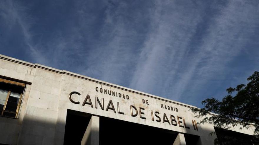 La avería de Canal Isabel II causa un socavón de entre 100 y 150 metros cuadrados
