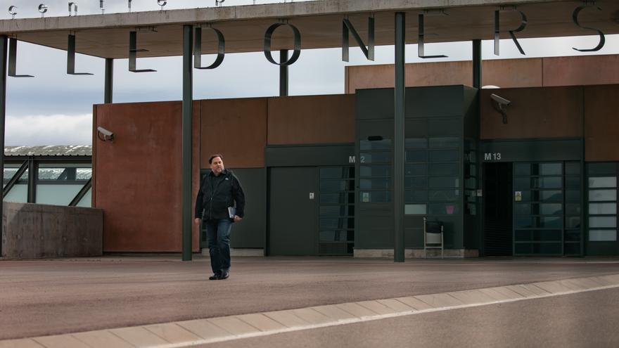 Archivo - El líder de ERC, Oriol Junqueras, saliendo de la cárcel de Lledoners en una imagen de archivo.