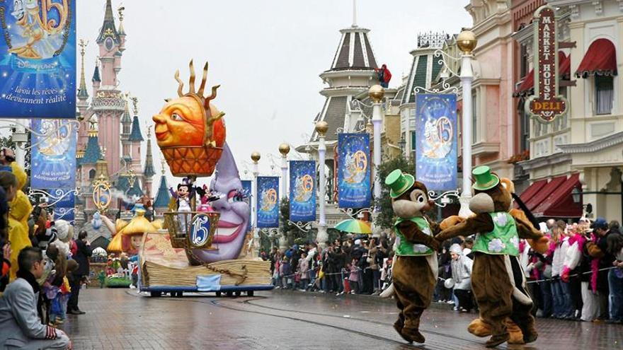 Disney París celebra su 25 aniversario con un gran espectáculo