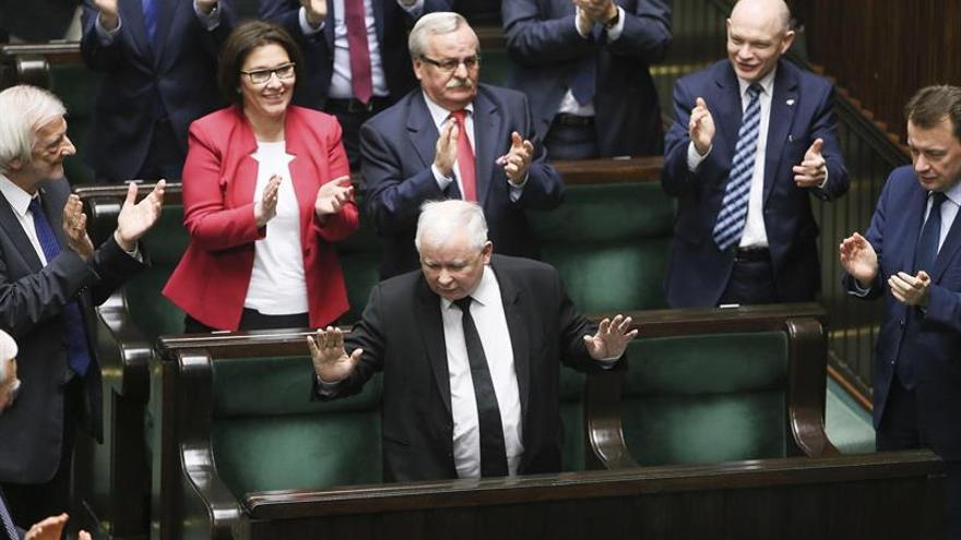 El Gobierno polaco supera la moción censura presentada por la oposición