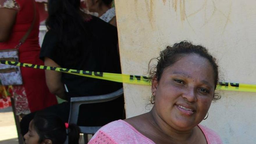 Fotografía fechada el 20 de enero del 2020, que muestra a la migrante de origen hondureño, Jacqueline Barahona, posando después de una entrevista con Efe, en ciudad Hidalgo en el estado de Chiapas (México).