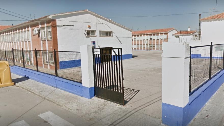 Colegio Público Adolfo Martínez Chicano de Las Pedroñeras (Cuenca) / Google