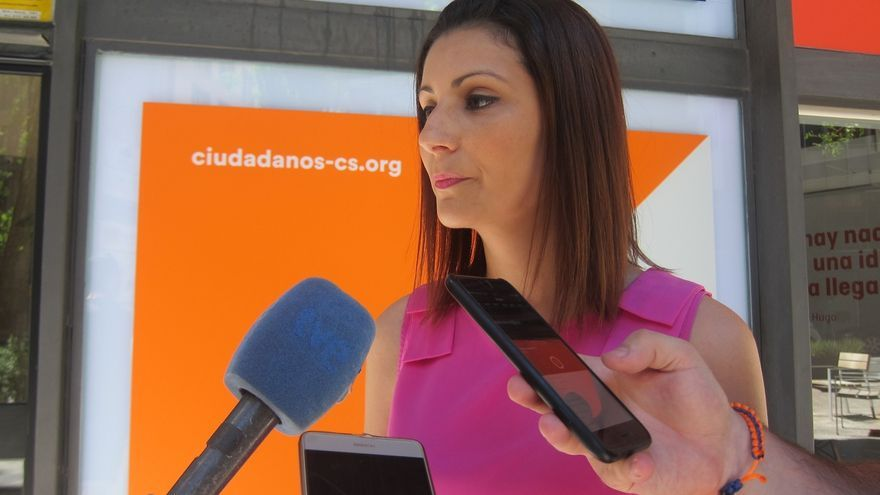 "Cs pide que el ""tripartito separatista"" explique la ley del referéndum en el Parlament"