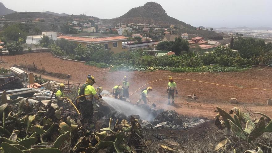 Tenerife registra tres conatos de incendio en 48 horas por la quema incontrolada de rastrojos