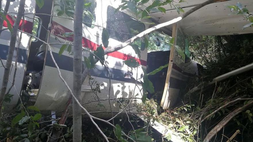 Al menos cuatro muertos al caer avioneta sobre casa en noroeste de México