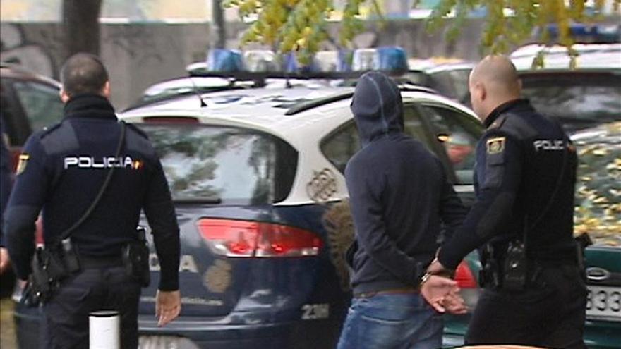 La Policía no pudo evitar la reyerta entre los ultras porque éstos la habían ocultado