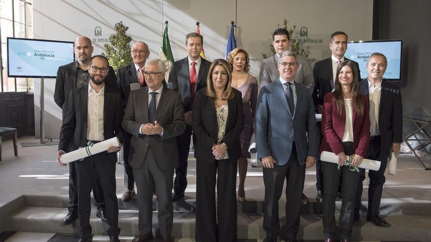 """Susana Díaz reivindica un periodismo """"libre y plural"""" y afirma que """"ningún interés puede estar por encima de la ética"""""""