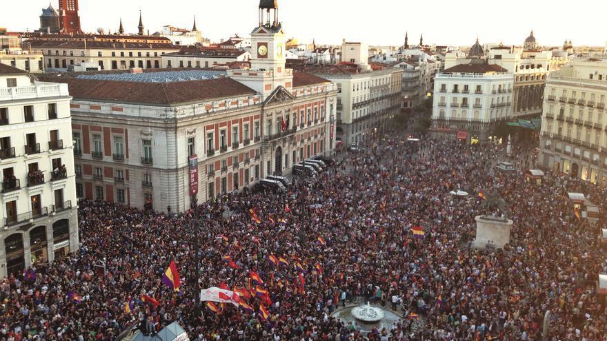 Foto aérea de la Puerta del Sol el día de la abdicación de Juan Carlos I. \ Juan Luis Sánchez