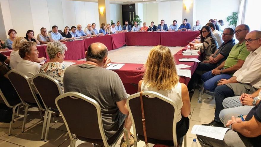 Los alcaldes socialistas exigen al consejero de Fomento su compromiso y apoyo a los municipios que peor lo están pasando por la DANA
