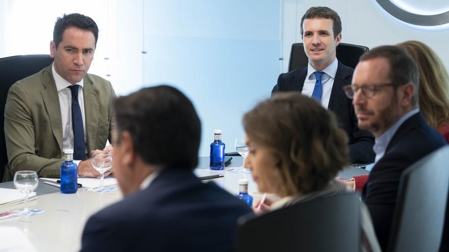 García Egea y Casado, este martes, durante la reunión del Comité de Dirección del PP.