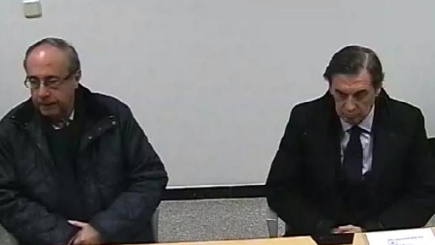 Ángel Vizcay y Miguel Archanco, durante su tenso careo ante el juez.
