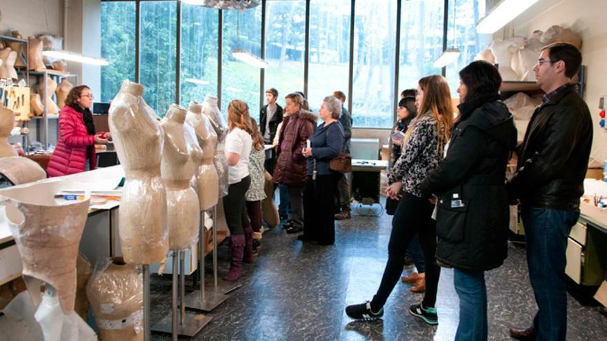 El Museo del Traje nos muestra sus entresijos en la Noche de los Museos.