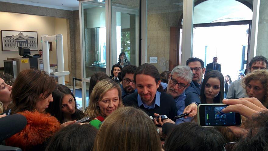 La diputada de Podemos Victoria Rosell entrega en Registro su renuncia como miembro de la Diputación Permanente.