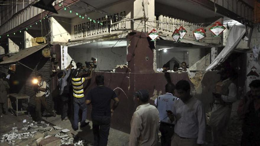 Mueren al menos diez personas tras un atentado en un mitin en Pakistán