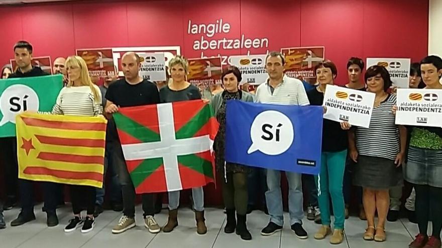 LAB se solidariza con el pueblo catalán con motivo de la Diada con movilizaciones en las sedes del sindicato