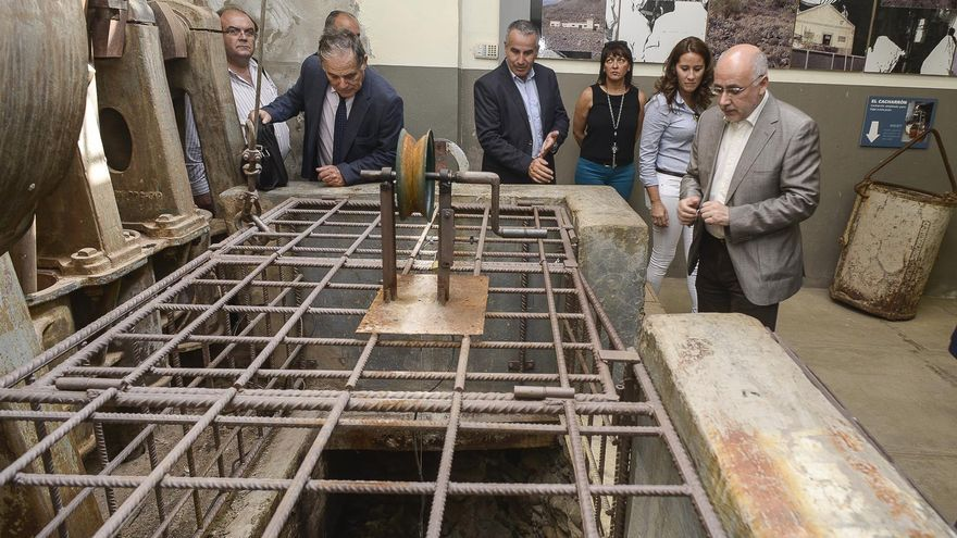 El presidente del Cabildo de Gran Canaria visita el Museo de La Zafra en el 130 aniversario del tomate
