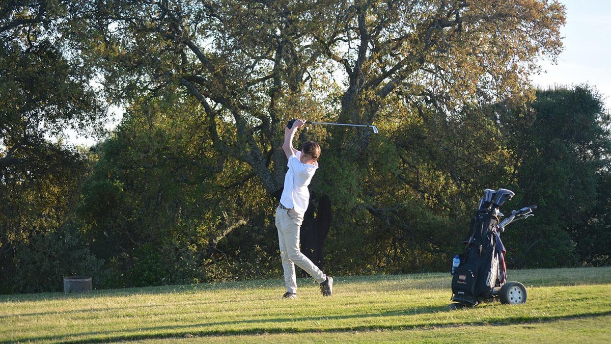Un jugador en el Alcaidesa Links Golf Resort