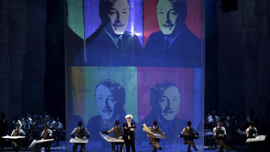 """El Real vive con éxito el estreno mundial de la ópera """"El americano perfecto"""""""